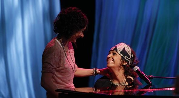 Sara Gilbert & Linda Perry