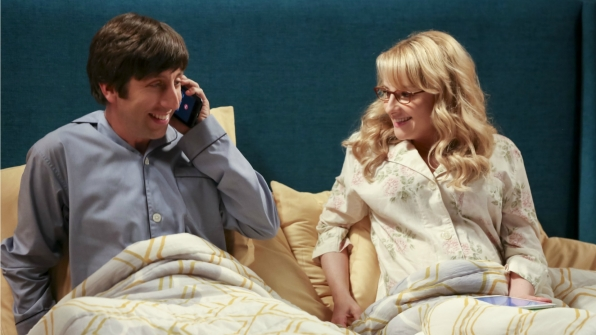 Howard makes a late-night phone call in bed.