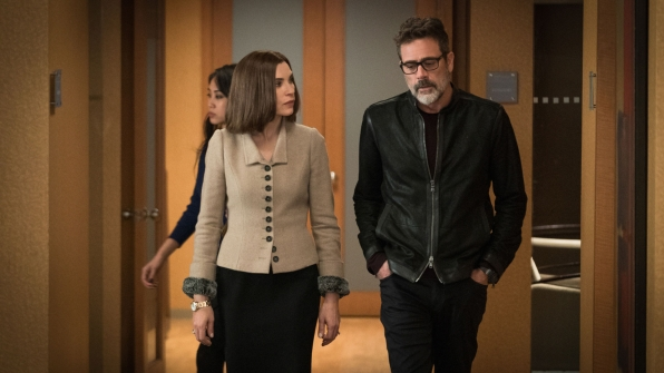 Julianna Margulies as Alicia Florrick and Jeffrey Dean Morgan as Jason Crouse