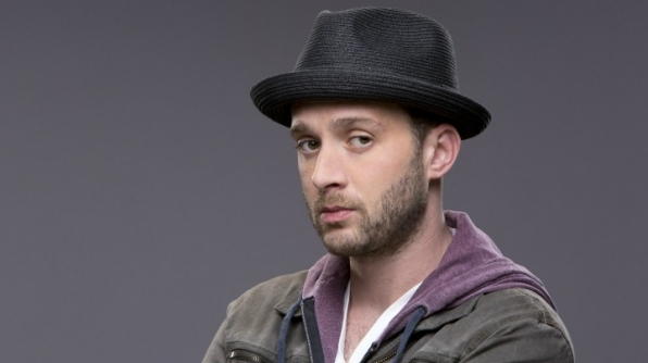 It's Eddie Kaye Thomas, who plays Toby Curtis on Scorpion!