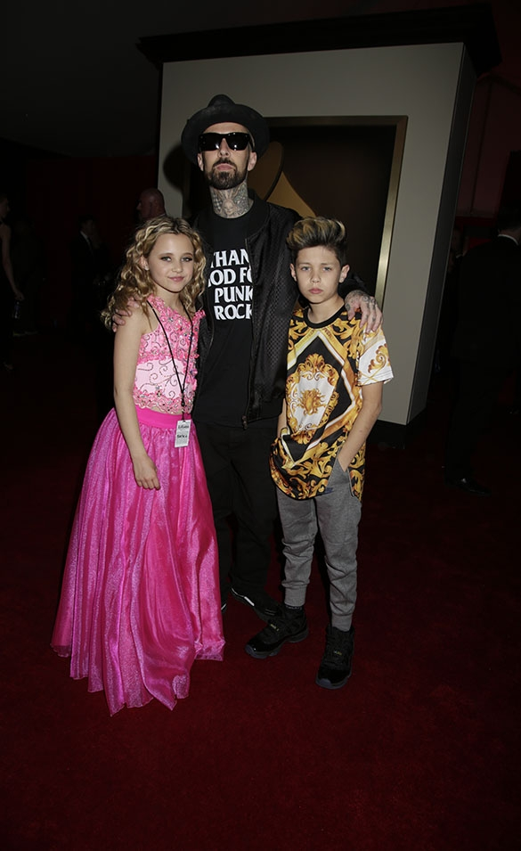 GRAMMYs 2016: Travis Barker and his kids