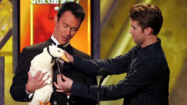 When things got ducky between Josh Turner and magician Lance Burton.