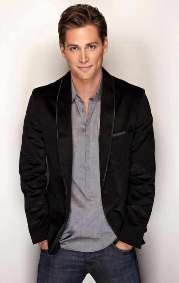 Oliver Jones (Zack Conroy)