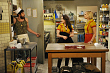First Look: Max And Caroline Feud Over Friends On 2 Broke Girls