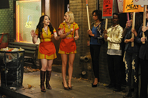 First Look: Disgruntled Customers Boycott Max And Caroline\'s Cupcakes On 2 Broke Girls