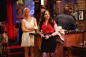 First Look: Max and Caroline Jazz Things Up On 2 Broke Girls