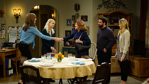 First Look: Christy Hosts A Family Dinner For Violet\'s Future Mother-In-Law