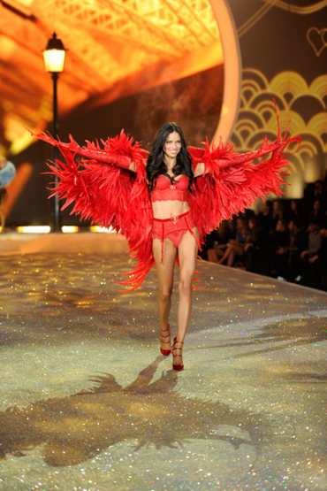10 Amazing Wings From the Victoria's Secret Runway