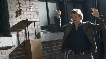MacGyver: First Look At The Series Premiere