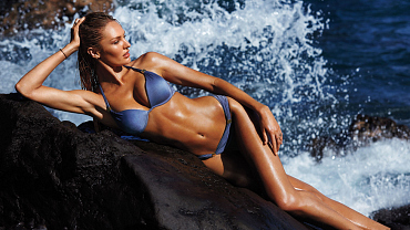 All The Hottest Moments From The First-Ever Victoria\'s Secret Swim Special