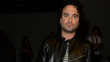 15 Signature Sexy Poses From Johnny Galecki's Instagram