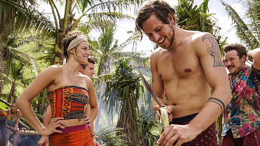 One Castaway's Love Goggles Steam Up On Survivor: Millennials Vs. Gen X