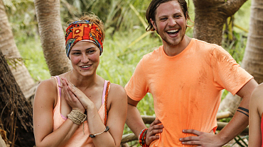 There's Passion In Paradise When Two Millennials Hook Up On Survivor