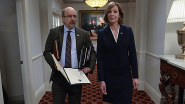 Allison Janney Delivers Important Message About Addiction At The White House