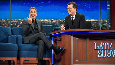 Rob Lowe Offers Clinton Advice, Impersonates Trump