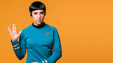 Mayim Bialik Dons Star Trek Garb For Watch! Magazine Photo Shoot