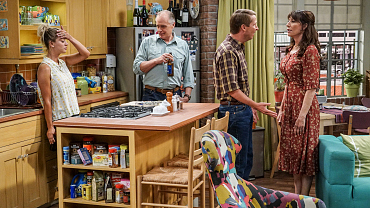 Penny\'s Family Tries To Keep A Secret On The Big Bang Theory