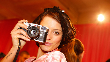 Get A Backstage Pass To The 2015 Victoria\'s Secret Fashion Show