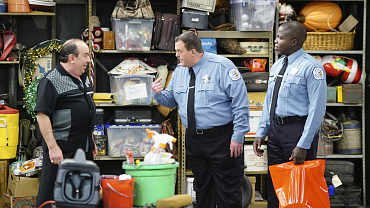 First Look: Mike And Vince Bond Over A Boat On Mike & Molly