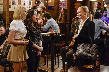 First Look: Caroline Gets Her Big Break On 2 Broke Girls