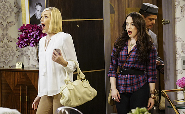 First Look: Max And Caroline Live The Hollywood High Life On 2 Broke Girls