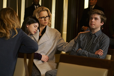 First Look: Elizabeth Protects Her Country And Family On Madam Secretary