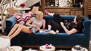 First Look: Max Almost Loses Her Beau\'s Beloved Pooch On 2 Broke Girls