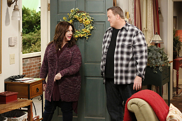 First Look: Mike And Molly Anxiously Await News About Their Adoption