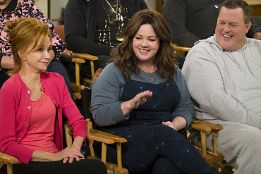 First Look: It\'s The Big Moment Fans Have Been Waiting For On Mike & Molly