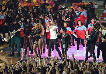 ICYMI: 11 Best Super Bowl Halftime Moments