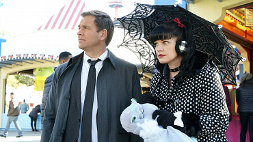 9 Insider Facts From The NCISxNOLA Crossover