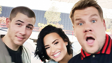 Demi Lovato & Nick Jonas In Behind The Scenes Carpool Karaoke Photos