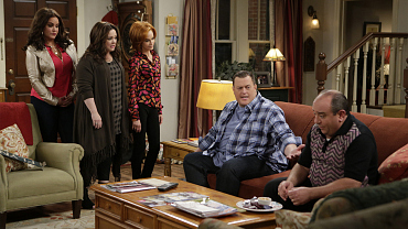 First Look: Mike And Molly Clash Over Domestic Duties