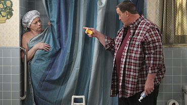 First Look: Mike Blames Molly For Peggy's Heart Attack