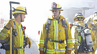 First Look: Sam And Callen Fight Fire With Fire
