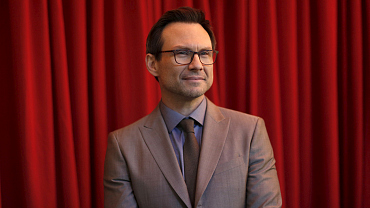 Christian Slater, Charlie Day Announced As Late Show Guests