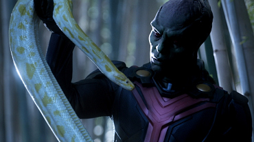 First Look: Supergirl, 'Manhunter'