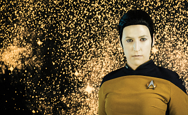 Mayim Bialik\'s Stellar Star Trek Photo Shoot