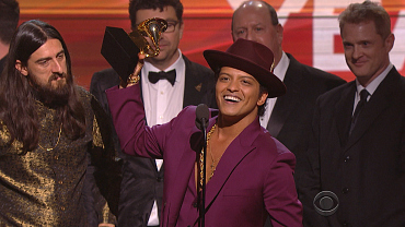 Mark Ronson & Bruno Mars Win 2016 GRAMMY For Record Of The Year