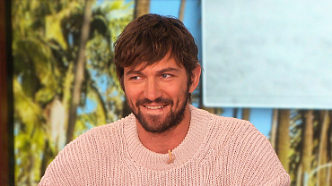\'GOT\' Star Michiel Huisman on Daenerys \'Take Off Your Clothes\' Scene