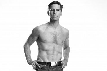 Brian Dietzen Shares His Amazing Ab-shaping Regimen